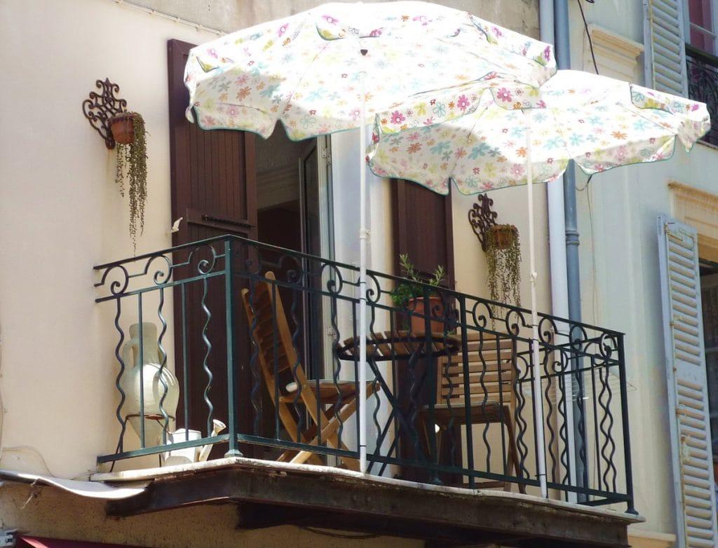 Market apartment balcony